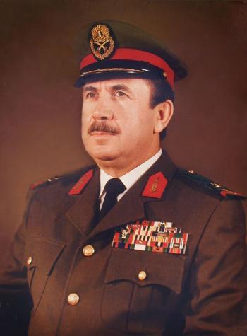 赠送给埃及总统的肖像刺绣作品